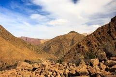 Vista panoramica delle montagne di atlante nel Marocco Fotografia Stock