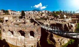Vista panoramica delle rovine romane antiche di Ercolano immagine stock libera da diritti