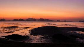 Vista panoramica di alba all'isola di Koh Yao Noi fotografia stock libera da diritti