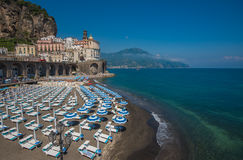 Vista panoramica di Atrani, la costa di Amalfi, Italia Immagine Stock