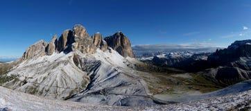 Vista panoramica di bello gruppo della montagna della dolomia nel gruppo del sud/verso sud sassolungo/del Tirolo il Tirolo Immagini Stock Libere da Diritti