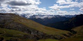 Vista panoramica di bello paesaggio della montagna della dolomia nel Tirolo del sud Fotografie Stock Libere da Diritti