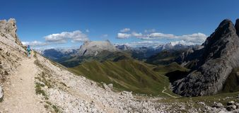 Vista panoramica di bello paesaggio della montagna della dolomia nel Tirolo del sud Immagine Stock Libera da Diritti