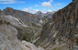 Vista panoramica di bello paesaggio della montagna della dolomia nel Tirolo del sud Fotografie Stock
