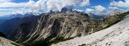 Vista panoramica di bello paesaggio della montagna della dolomia Immagini Stock
