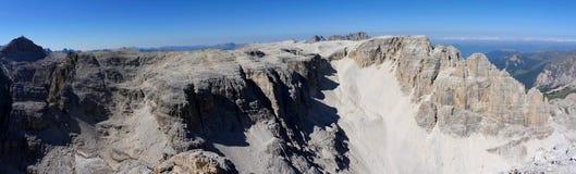 Vista panoramica di bello paesaggio della montagna della dolomia nel Tirolo del sud Fotografia Stock Libera da Diritti