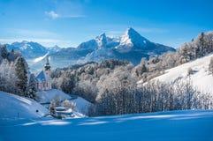Vista panoramica di bello paesaggio di inverno nelle alpi bavaresi Immagini Stock