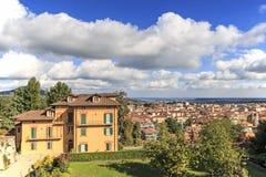 Vista panoramica di Biella dal Piazzo: la vecchia parte della città Fotografie Stock