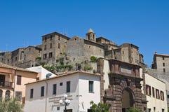 Vista panoramica di Bolsena. Il Lazio. L'Italia. Fotografie Stock Libere da Diritti