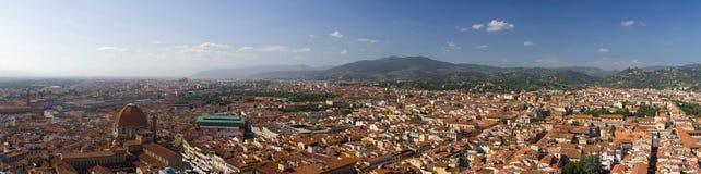 Vista panoramica di Firenze e delle montagne Fotografia Stock Libera da Diritti