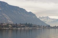 Vista panoramica di Montreux e del lago Lemano nell'inverno Immagine Stock Libera da Diritti