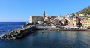 Vista panoramica di Nervi un distretto della spiaggia di Genoa Italy archivi video