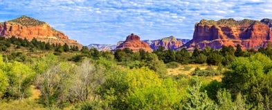 Vista panoramica di roccia rossa famosa Immagini Stock