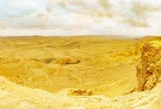 Vista panoramica di tramonto del cratere Ramon di Makhtesh fotografia stock