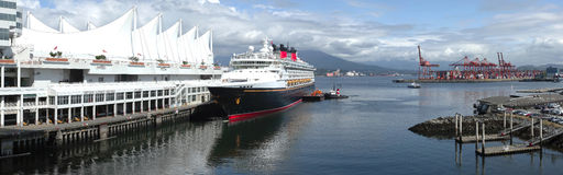 Vista panoramica di una nave da crociera. Fotografia Stock