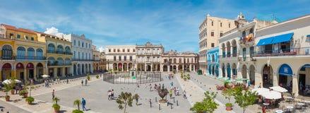 Vista panoramica di vecchia plaza quadrata Vieja, Avana fotografie stock