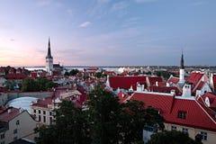 Vista panoramica di vecchio centro urbano di Tallinn Immagine Stock Libera da Diritti