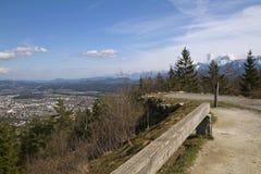 Vista panoramica di Villaco in valle di Gailtal Immagini Stock
