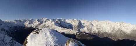 Vista panoramica di XL dell'intervallo di alta montagna Fotografia Stock Libera da Diritti