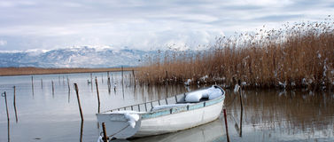 Vista panoramica. Imbarcazione a remi fotografie stock