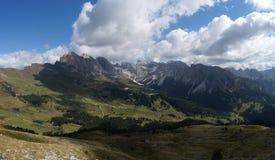 Vista panoramica impressionante dell'alpe nel Tirolo del sud nelle dolomia Immagine Stock Libera da Diritti