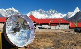 Vista panoramica l'Everest dal villaggio di Kongde Fotografie Stock