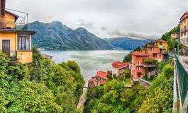 Vista panoramica sopra il lago Como dalla città di Bellano, Italia Fotografia Stock