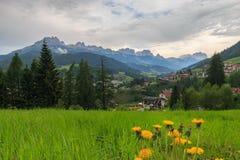 Vista panoramica sopra Moena, Italia Fotografia Stock Libera da Diritti