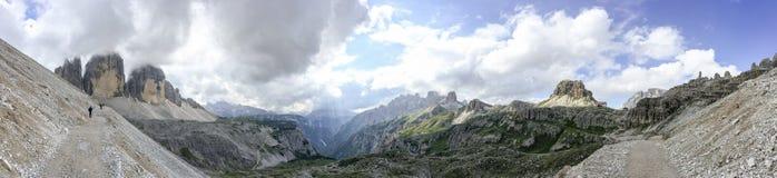Vista panoramica stupefacente delle dolomia italiane su Tre Cime di Lavar Fotografia Stock