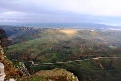 Vista panoramica su una valle dalla collina del castello di Beaufort Fotografia Stock