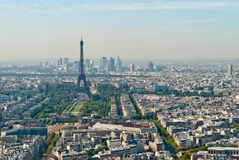 Vista panoramica sul giro Eiffel e sulla difesa della La, Pari Immagini Stock