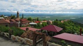 Vista panoramica sul paesaggio della città di Sighnaghi, Georgia Lasso di tempo stock footage