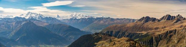 Vista panoramica sulle alpi svizzere da Bettmeralp Fotografie Stock Libere da Diritti