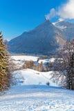 Vista panoramica sulle alpi svizzere vicino alla città di groviera Fotografia Stock