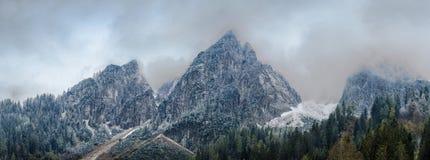 Vista panoramica sulle montagne di Dachstein Immagini Stock Libere da Diritti
