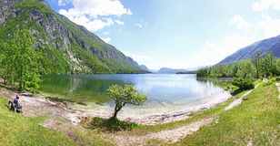 Vista panorámica del lago Bohinj, Eslovenia Imágenes de archivo libres de regalías