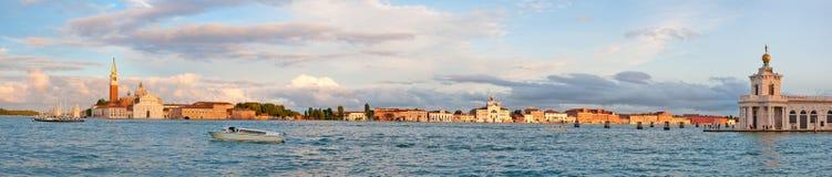 Vista panorâmico na lagoa Fotos de Stock Royalty Free