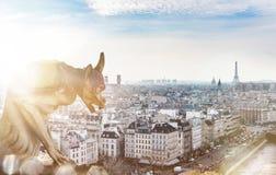 Vista a París romántica, Francia Fotos de archivo