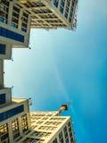 Vista para arriba del edificio o de Gosprom de la industria del estado construido en arte de la construcci?n sobre el cielo azul fotografía de archivo libre de regalías