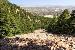 Vista para baixo em Boulder imagens de stock