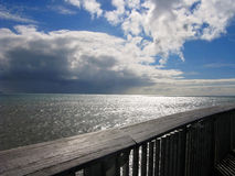 Vista para fora ao mar fotografia de stock
