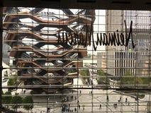 Vista para fora de Neiman Marcus em Manhattan imagem de stock royalty free