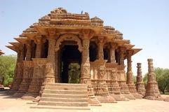 Vista para fora lateral de um templo indiano. Fotografia de Stock Royalty Free