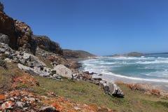 Vista para o mar bonita na praia África do Sul de Robberg imagens de stock