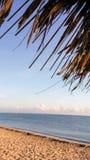 Vista para o mar da barraca da praia Foto de Stock