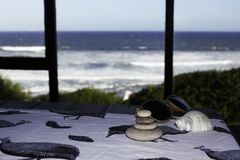 Vista para o mar da retirada do feriado da casa de praia fotografia de stock royalty free