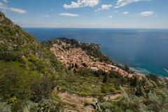 Vista para o mar de Taormina com o Etna no fundo Imagens de Stock Royalty Free
