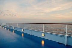 Vista para o mar do navio de cruzeiros fotografia de stock royalty free