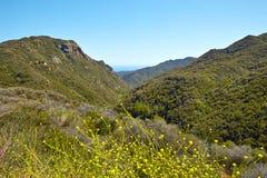 Vista para o mar e geologia, Malibu, CA Foto de Stock