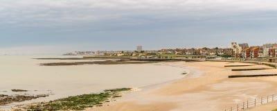 Vista para o Westgate-em-mar, Kent, Inglaterra, Reino Unido imagens de stock royalty free